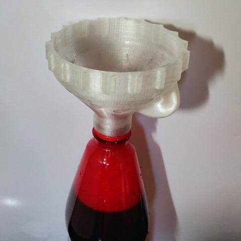Free STL file Funnel to screew on bottles (With or Without Vent), xTremePower