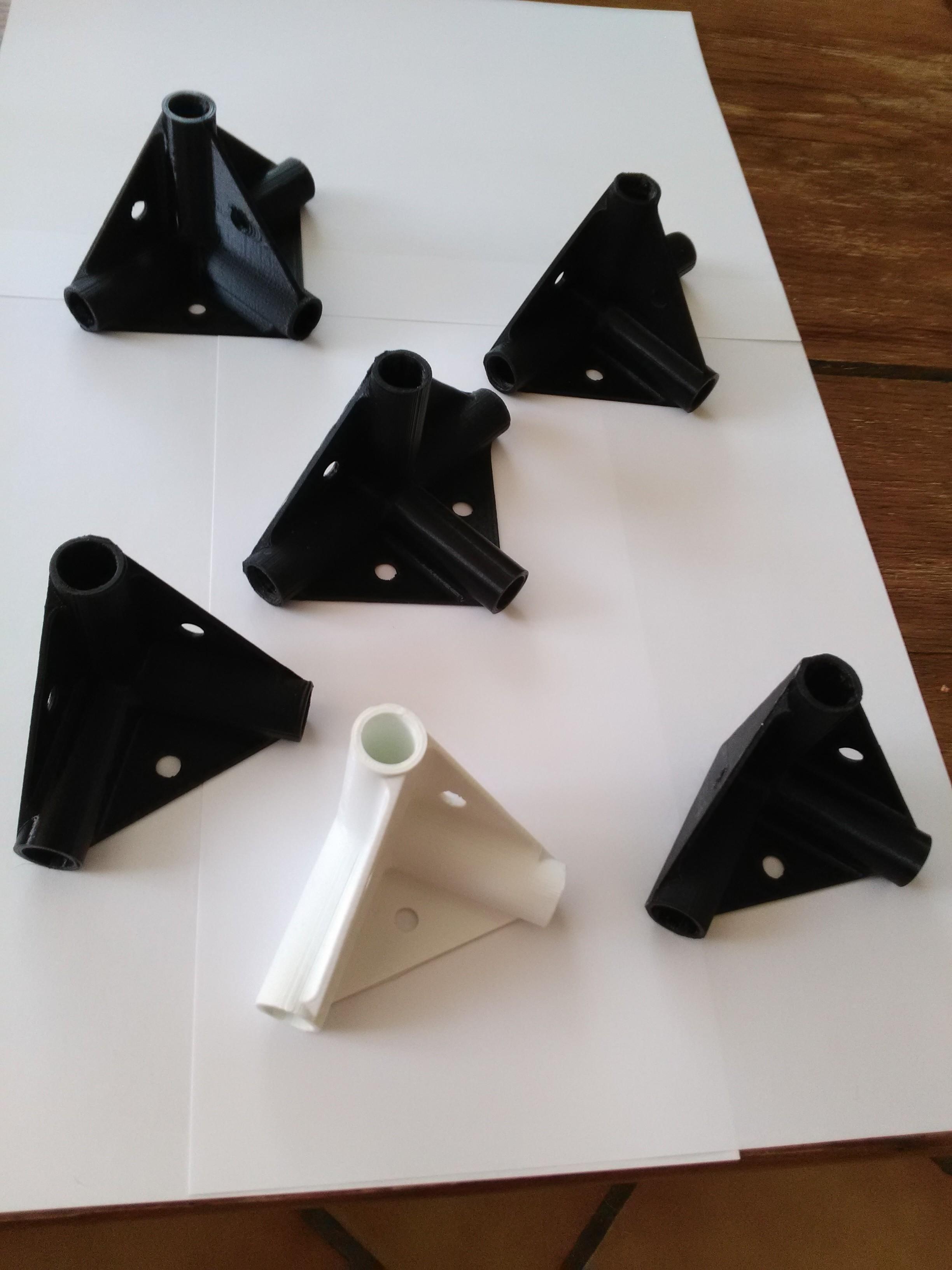 IMG_20170604_110213.jpg Download free STL file Pipe brackets dia 12 • 3D printing model, mk25