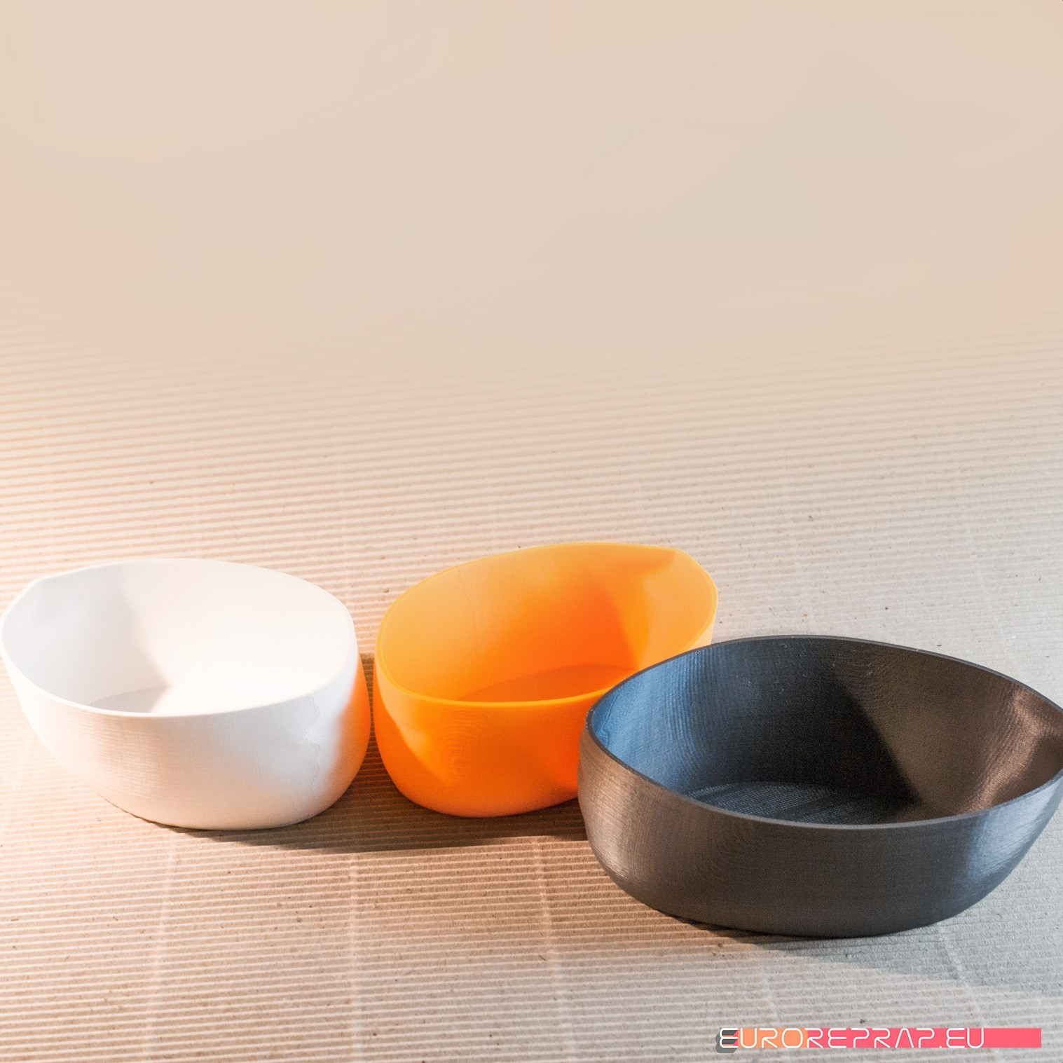 07_DSC3359.jpg Download STL file Handy - stackable bowls • 3D print template, euroreprap_eu