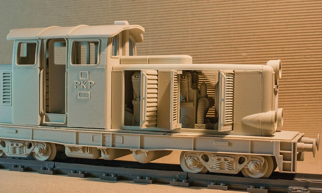 FK9X9HGI4O23O50.LARGE.jpg Download STL file Diesel-01 locomotive model that fits popular tracks • 3D print model, euroreprap_eu
