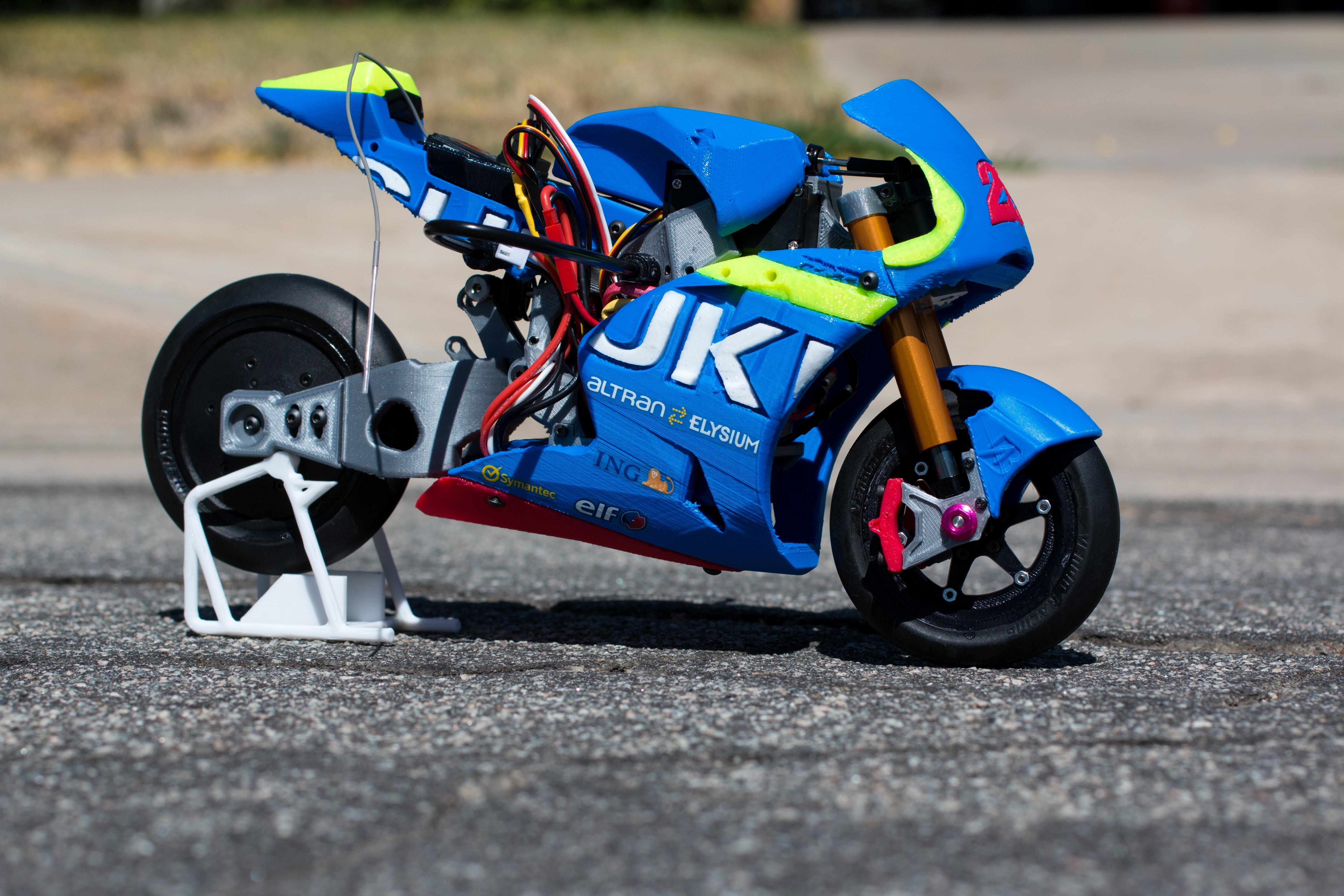 _MG_1488.jpg Download free STL file 2016 Suzuki GSX-RR 1:8 Racing RC MotoGP Version 2 • 3D print design, brett