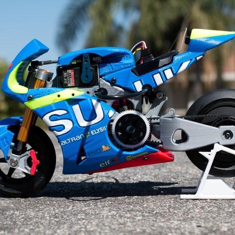 _MG_1513.jpg Download free STL file 2016 Suzuki GSX-RR 1:8 Racing RC MotoGP Version 2 • 3D print design, brett