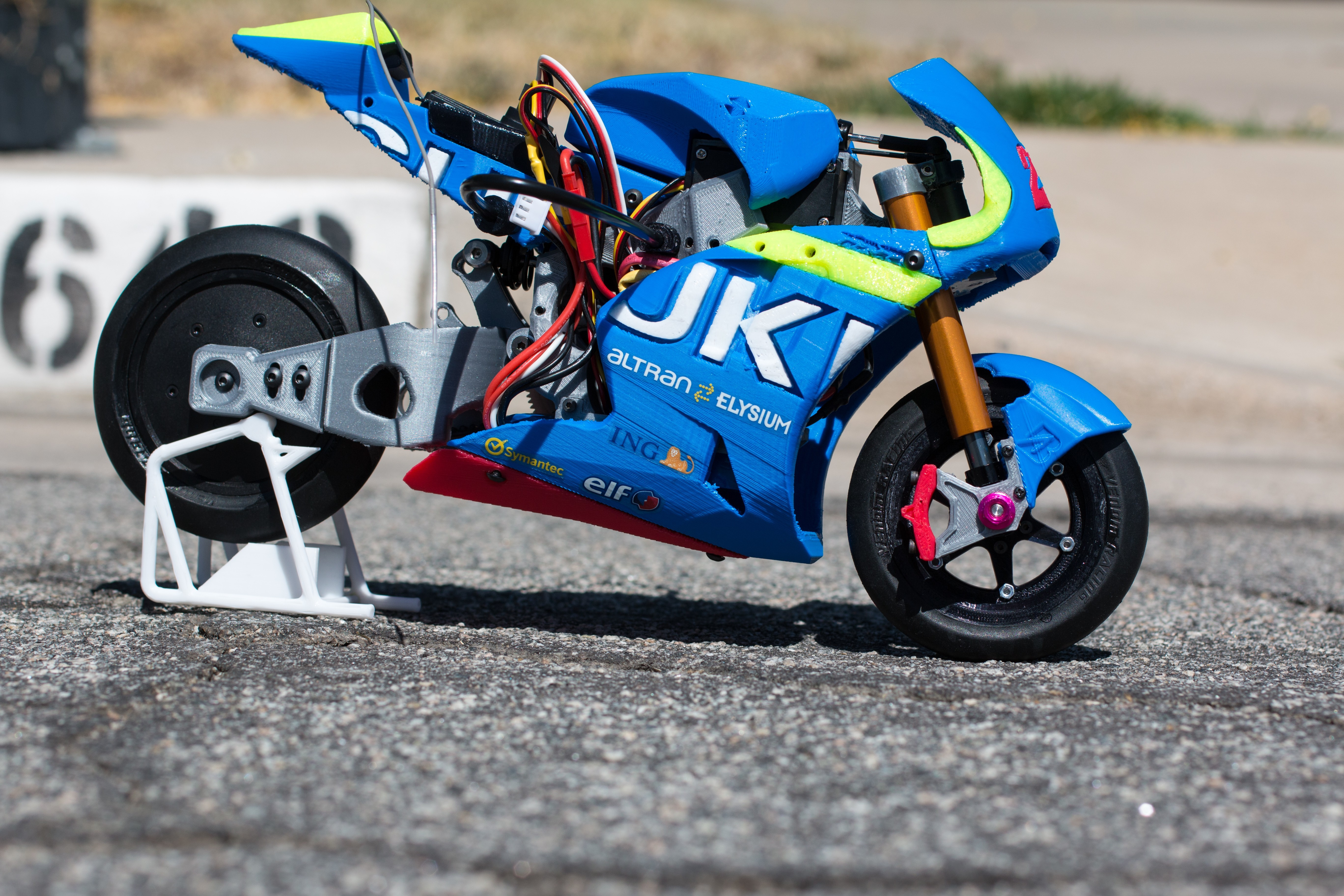 _MG_1487.jpg Download free STL file 2016 Suzuki GSX-RR 1:8 Racing RC MotoGP Version 2 • 3D print design, brett