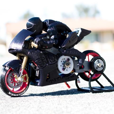 _MG_7196.jpg Télécharger fichier STL gratuit 2016 Suzuki GSX-RR MotoGP RC Moto • Modèle pour imprimante 3D, brett