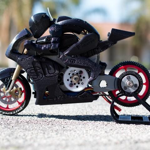 _MG_7190.jpg Télécharger fichier STL gratuit 2016 Suzuki GSX-RR MotoGP RC Moto • Modèle pour imprimante 3D, brett