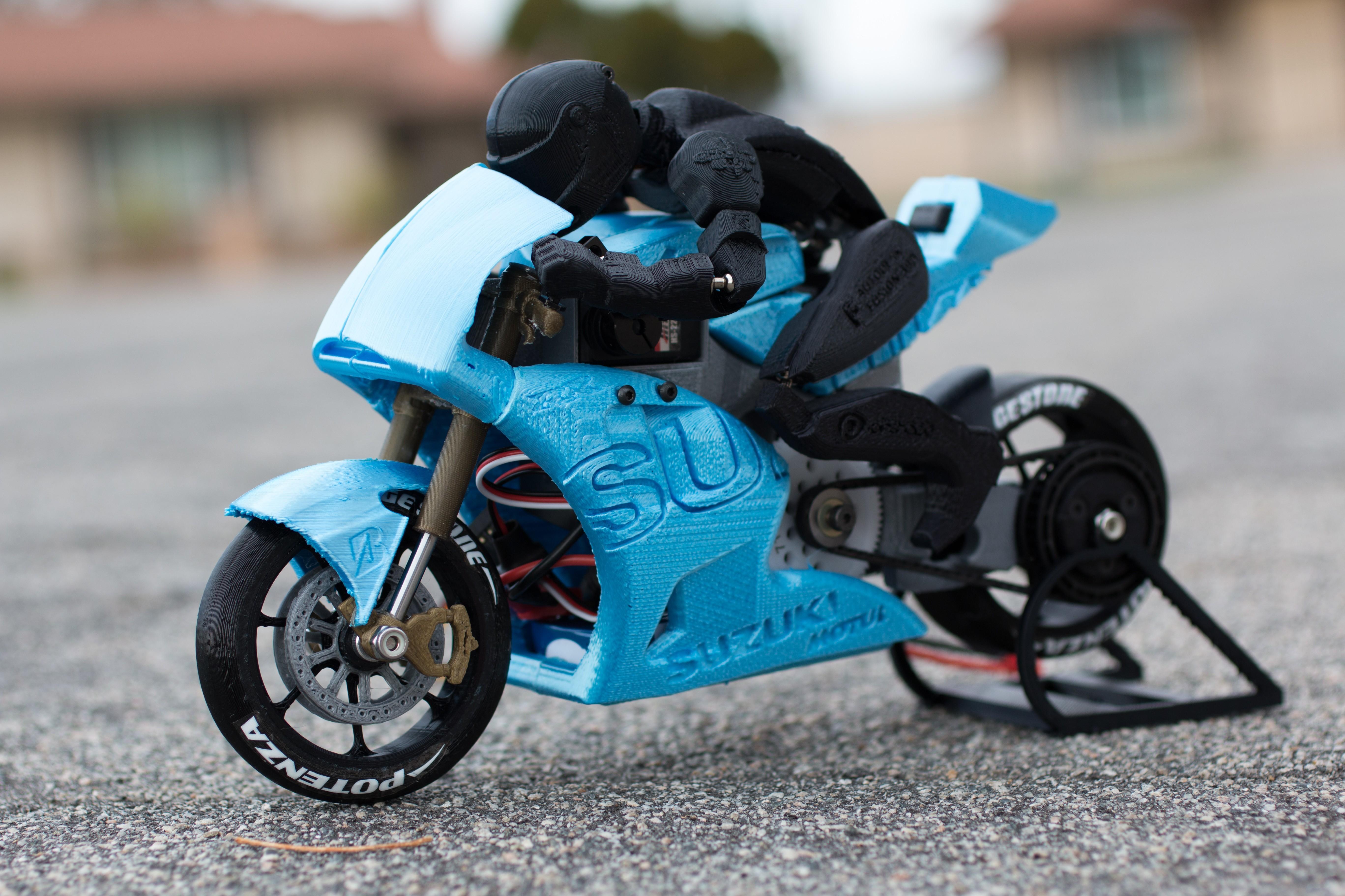 _MG_4310.jpg Télécharger fichier STL gratuit 2016 Suzuki GSX-RR MotoGP RC Moto • Modèle pour imprimante 3D, brett