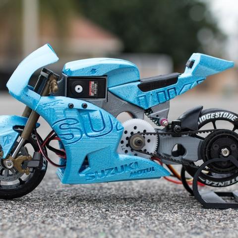 _MG_4246.jpg Télécharger fichier STL gratuit 2016 Suzuki GSX-RR MotoGP RC Moto • Modèle pour imprimante 3D, brett