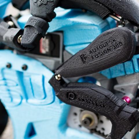_MG_4342.jpg Télécharger fichier STL gratuit 2016 Suzuki GSX-RR MotoGP RC Moto • Modèle pour imprimante 3D, brett
