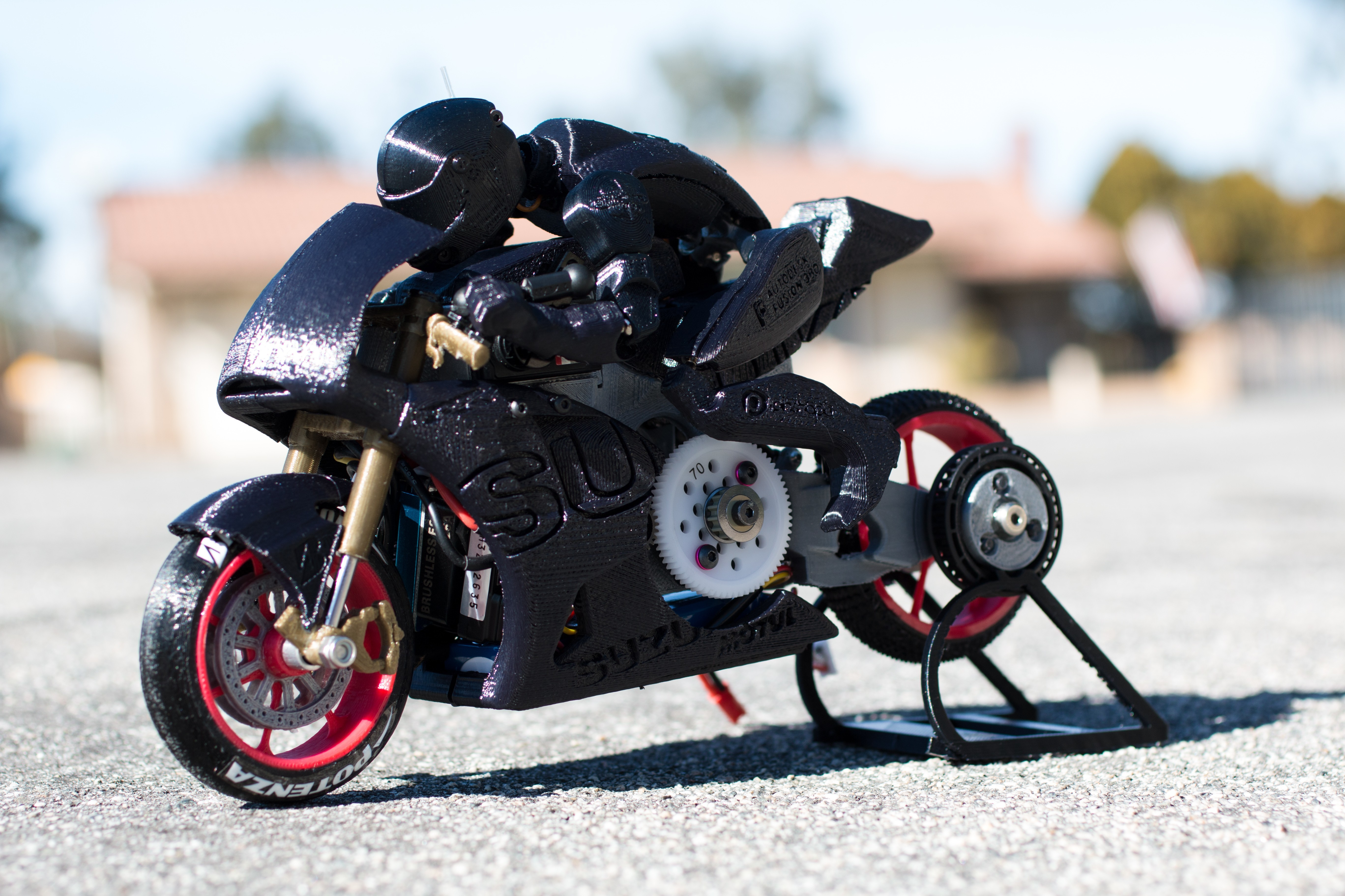 _MG_7195.jpg Télécharger fichier STL gratuit 2016 Suzuki GSX-RR MotoGP RC Moto • Modèle pour imprimante 3D, brett