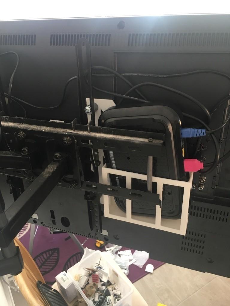 thumb_IMG_7427_1024.jpg Download STL file SKY Q MINI BEHIND TV HANGING MOUNT VESA COMPATIBLE • 3D printer template, beanieboy182