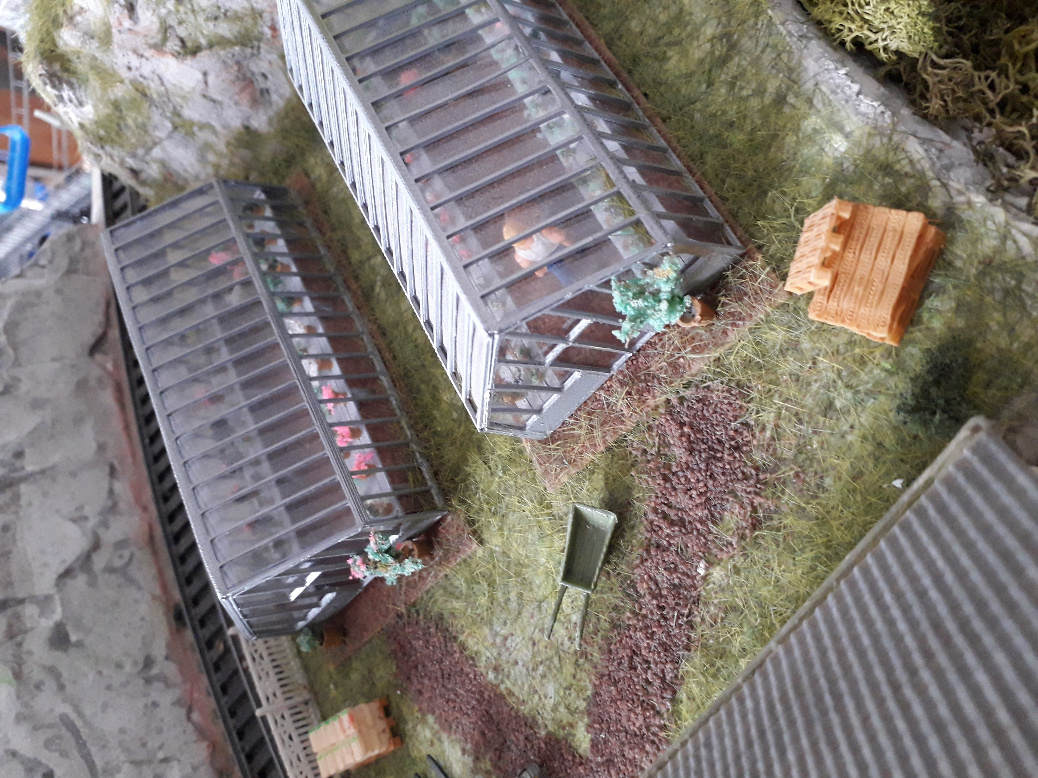 20200323_083606.jpg Download STL file Set of greenhouses, well, wheelbarrow, shovel, rake and vases for your garden in HO • Design to 3D print, dede34500
