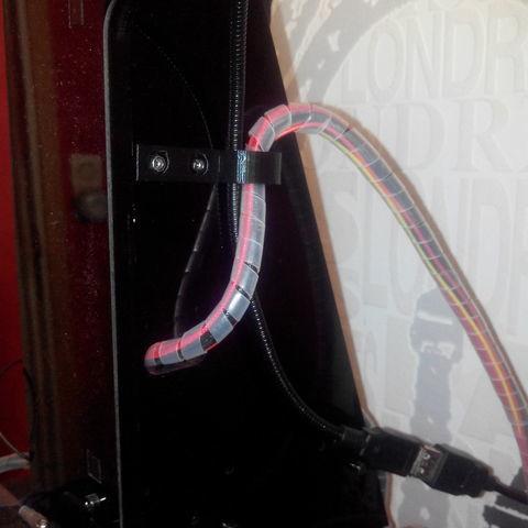 IMG_20171029_142442_large.jpg Télécharger fichier STL gratuit support cable visable et devisable remplace le collier de serrage pour la geetech pro c • Design pour impression 3D, YOHAN_3D