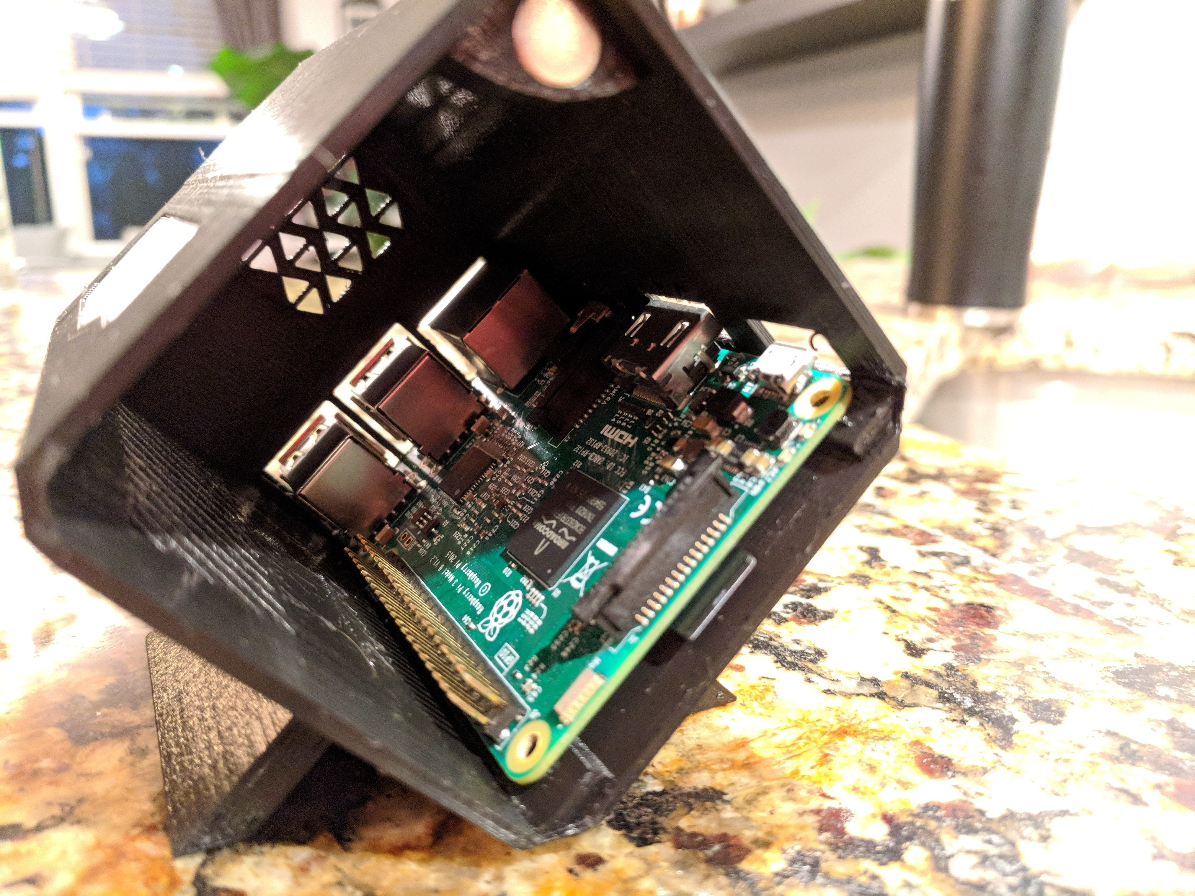 IMG_20180605_211807.jpg Download free STL file Raspberry Pi 3 OMEN Accelerator Case • 3D printable object, Chaco
