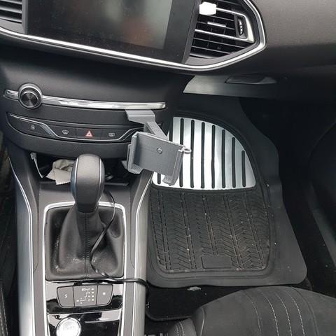 20180113_092002.jpg Download STL file Peugeot 308 smartphone support • 3D printer design, C1-concept