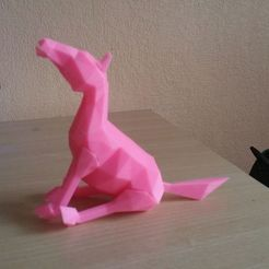 Free 3D printer designs Horse lowpoly, proteine