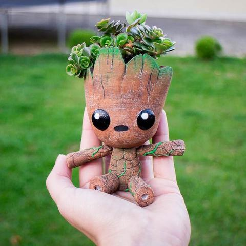 WhatsApp Image 2019-02-19 at 17.47.18 (1).jpeg Download STL file Groot the articulated Planter • 3D printer object, Giovani_Martani