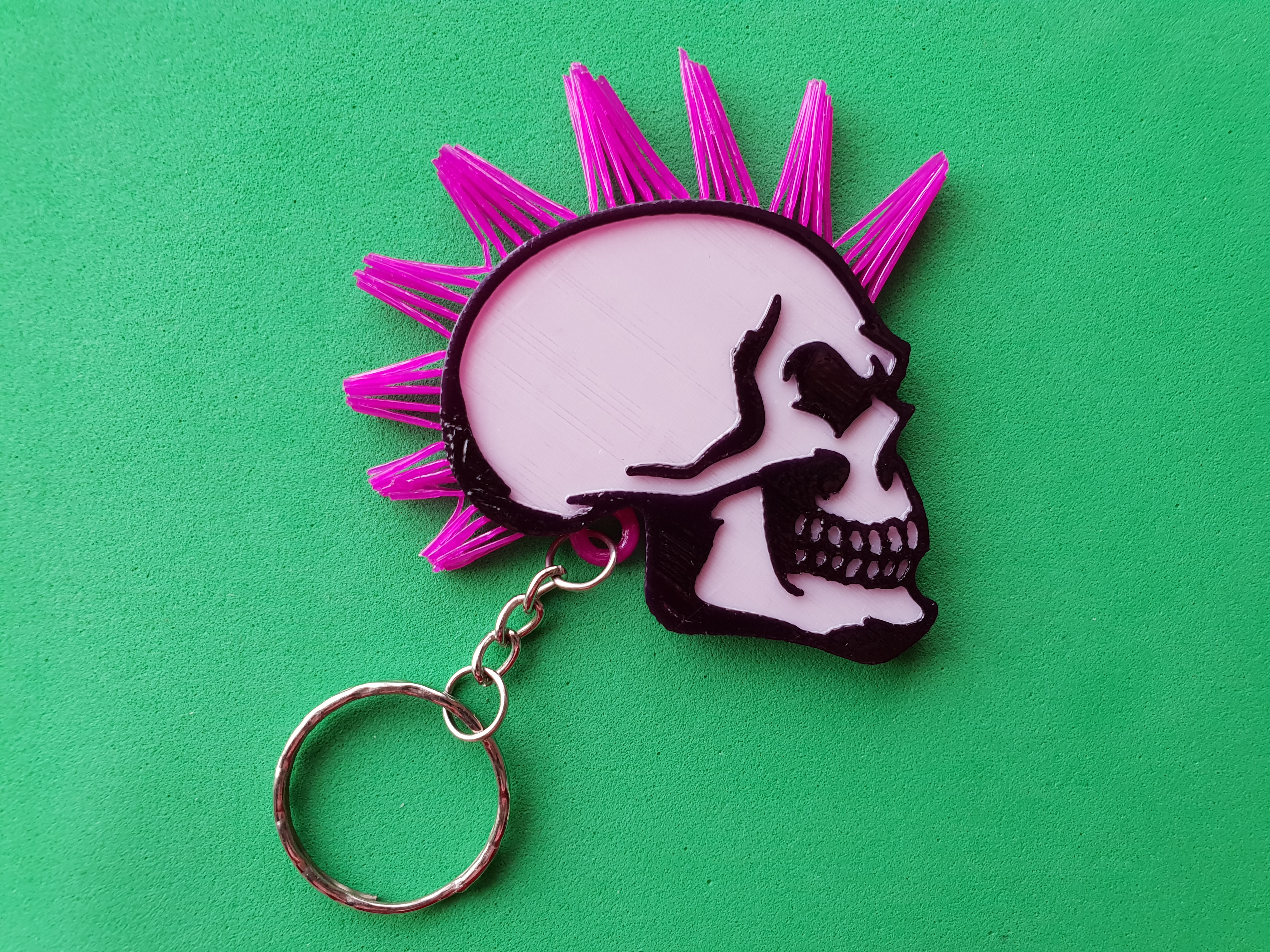 20190516_185138.jpg Download free STL file Skull keychain with hair • 3D printing design, 3dlito