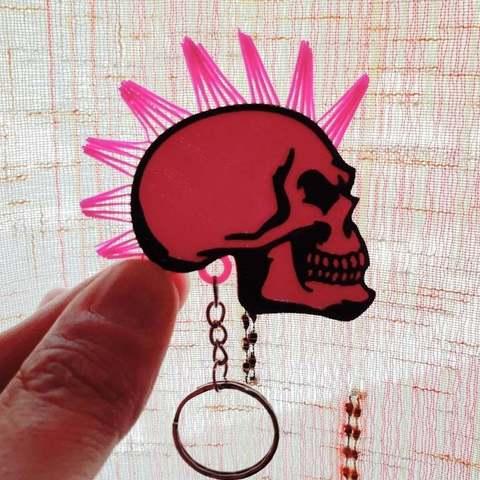 e7eb84785b8e5a1aaf44534905175927_display_large.jpg Télécharger fichier STL gratuit Porte-clés tête de mort avec cheveux • Modèle pour imprimante 3D, 3dlito