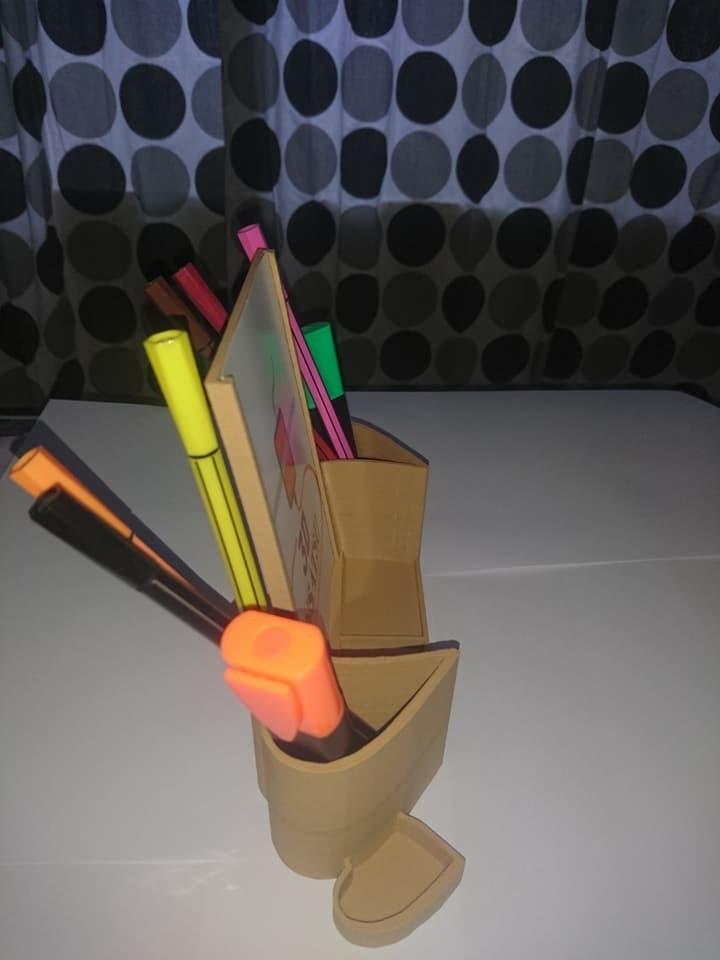 23316799_10210853233552247_994314389181932433_n.jpg Télécharger fichier STL porte photo, porte crayon coeur • Design pour impression 3D, kholas