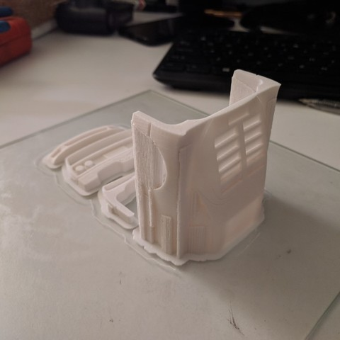 IMG_20180424_125103 (Medium).jpg Download STL file Ferrari F40 1:28 Scale model OpenZ compatible (Chassis v4a) • 3D print design, guaro3d