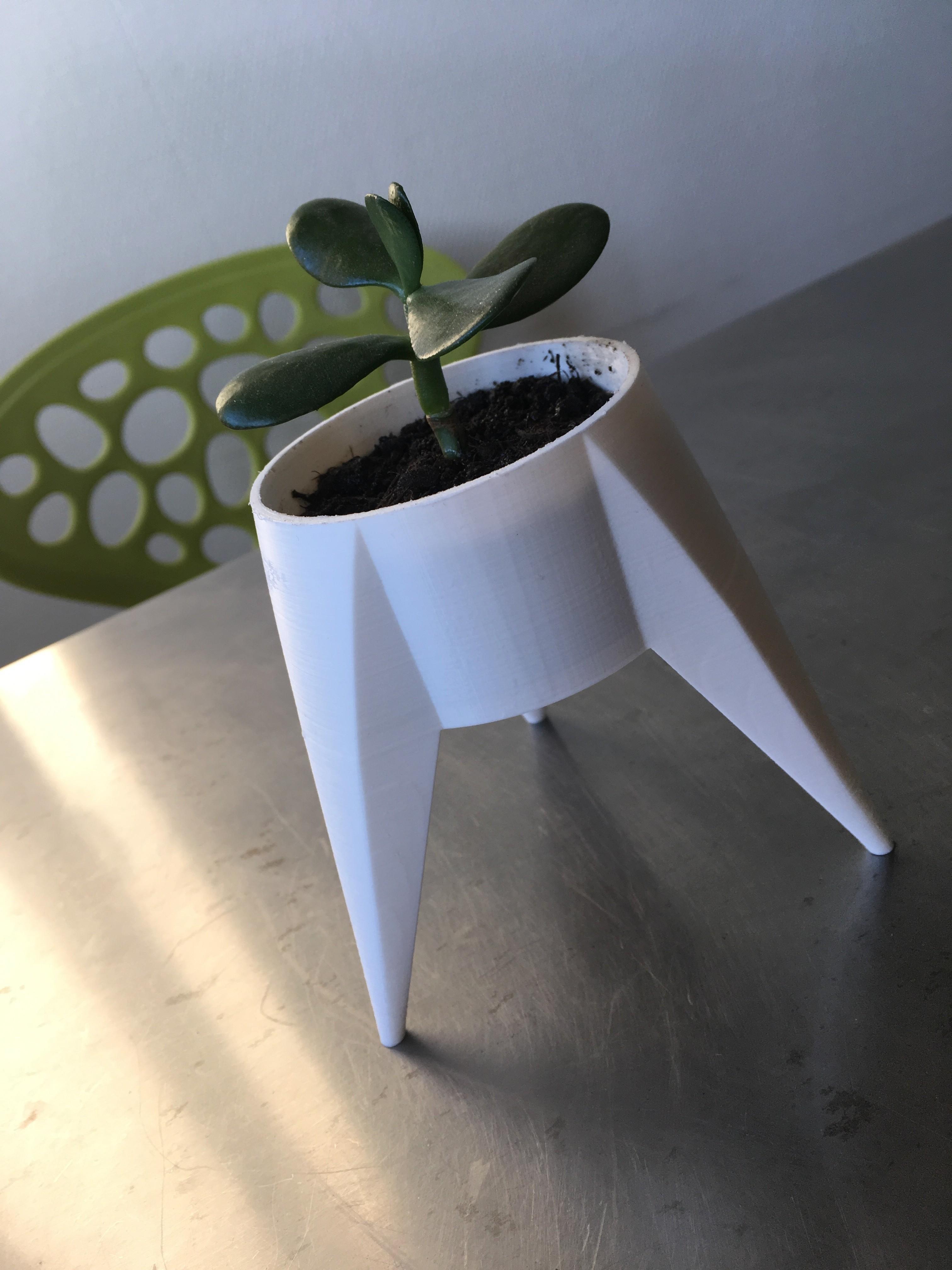 pot_de_fleurs_tripode.jpg Download free STL file Pot de fleurs tripode • 3D print model, KernelDesign