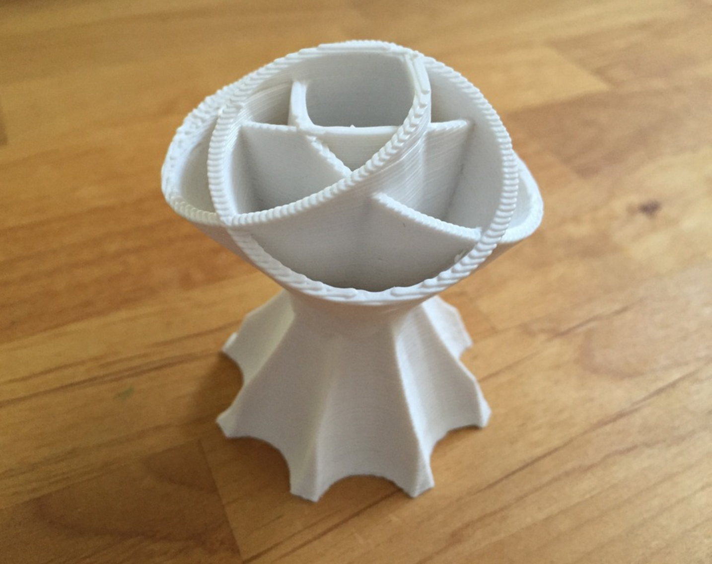 Capture d'écran 2017-05-09 à 16.06.13.png Download free STL file flower separator vase • 3D printing design, squiqui