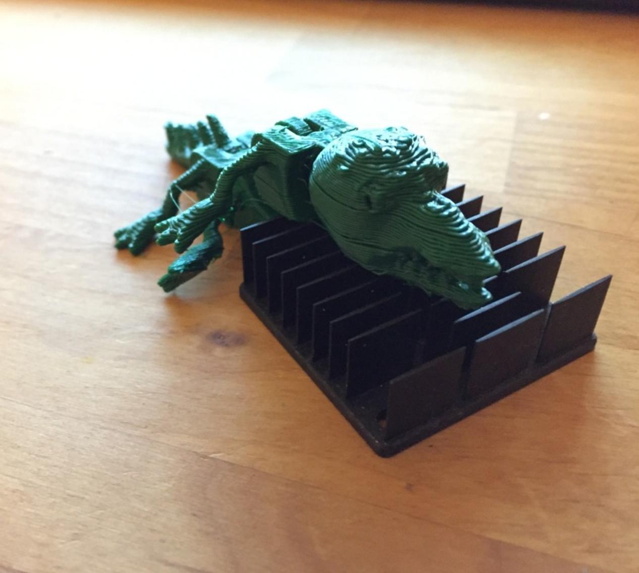 Capture d'écran 2017-05-09 à 17.08.40.png Télécharger fichier STL gratuit Reptile print at once with movable torso • Design pour imprimante 3D, squiqui