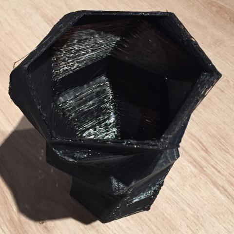 Capture d'écran 2017-05-09 à 17.22.21.png Download free STL file Vase • Object to 3D print, squiqui