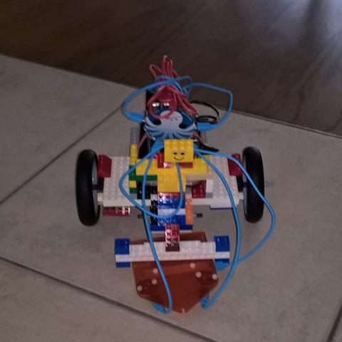Capture d'écran 2017-05-09 à 14.45.05.png Télécharger fichier STL gratuit Pimoroni Flotilla lego motor holder • Plan imprimable en 3D, squiqui