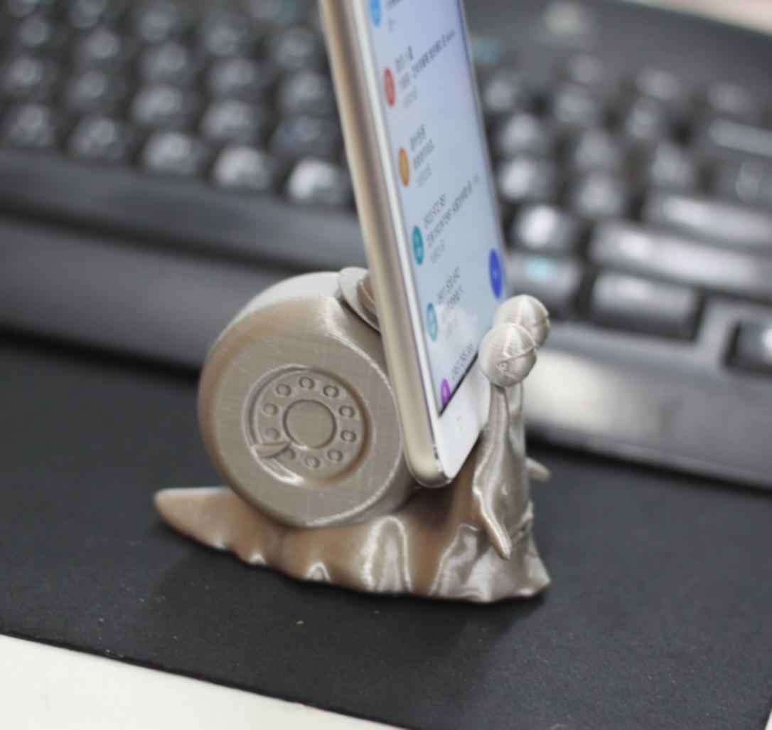 Capture d'écran 2017-05-12 à 17.53.40.png Download free STL file One Piece snail phone stand • 3D print object, orangeteacher