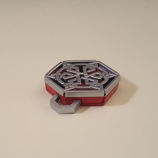 medallion lock mechanism.jpg Download free STL file Secret geometry medallion • 3D printable model, Job