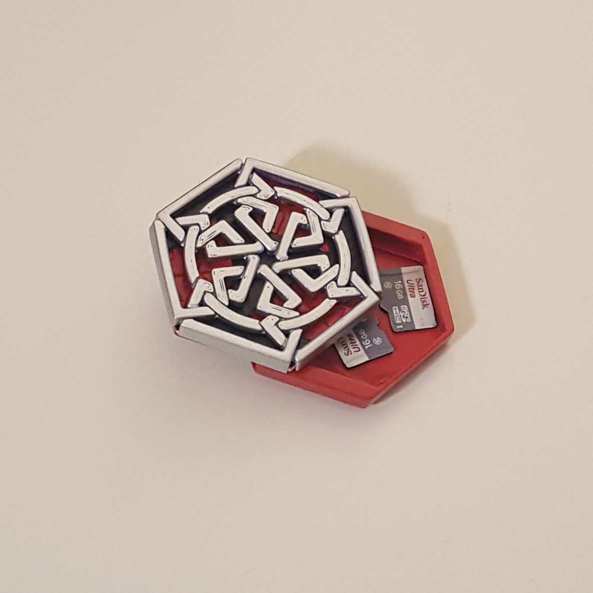 medallion with SD card2.jpg Download free STL file Secret geometry medallion • 3D printable model, Job