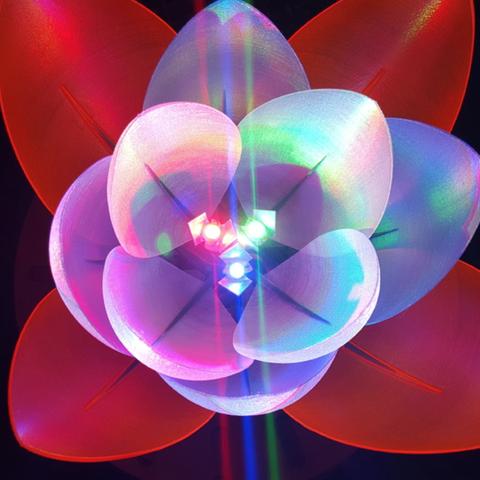 Capture d'écran 2017-12-12 à 18.52.33.png Download free STL file Servo Flower • 3D printing model, Job