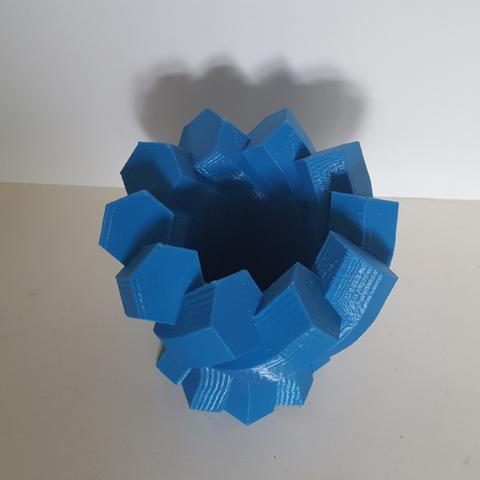 Capture d'écran 2017-06-13 à 09.59.00.png Download free STL file Twisted Hexagon Colum pot/vase 2 • 3D printer model, Job