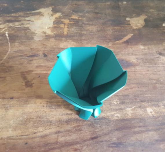 Capture d'écran 2018-05-15 à 09.45.25.png Download free STL file Unfolding Leave Vase • 3D print template, Job