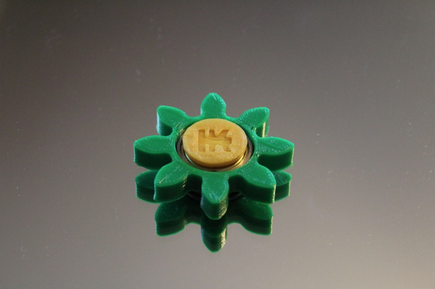 Capture d'écran 2017-06-09 à 09.34.42.png Download free STL file Gear/Flower Spinner • 3D print model, 3DPrintingGurus