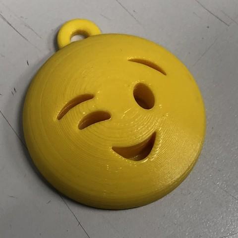 Free 3D printer model Happy Emoji keychain, i3Dsd