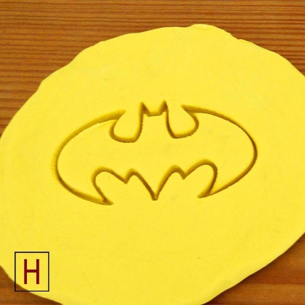 Cults - Cookies cutter - Batman 1 logo.jpg Download STL file Cookies cutter - Batman • 3D printer object, Made_In_Space