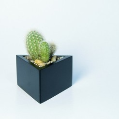 Download 3D printing templates Prisma planter, atelierro