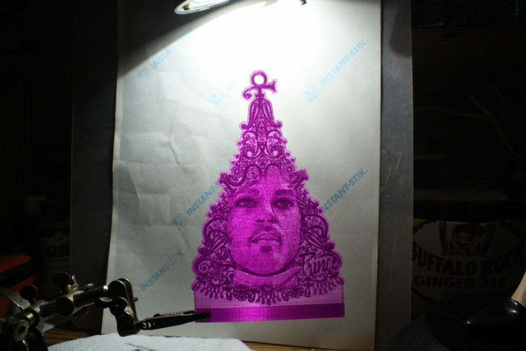IMG_1971.JPG Download free STL file PrinceMas Ornament with Lighted Base • 3D print template, rebeltaz