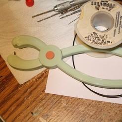Download free 3D printer files Probing Pliers, rebeltaz