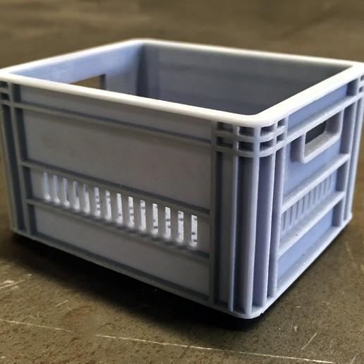COB_Milk_Crate_01.jpg Télécharger fichier STL CRATEFULL OF | Caisse de lait 1/6 Un sixième de l'échelle • Design imprimable en 3D, baschz
