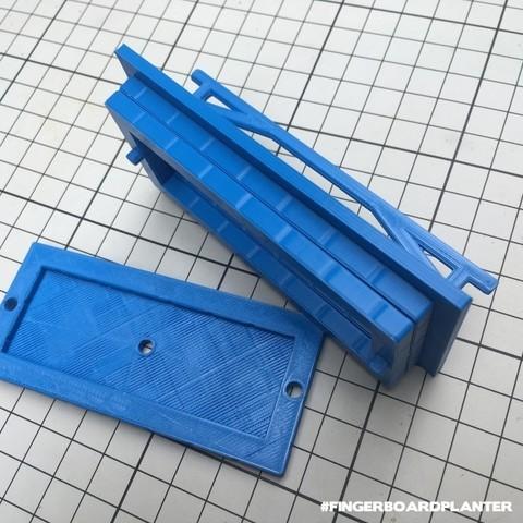 baschz-leeft-fingerboard-planter-2.jpg Download free STL file Modular Fingerboard Ramp & Planter • Object to 3D print, baschz