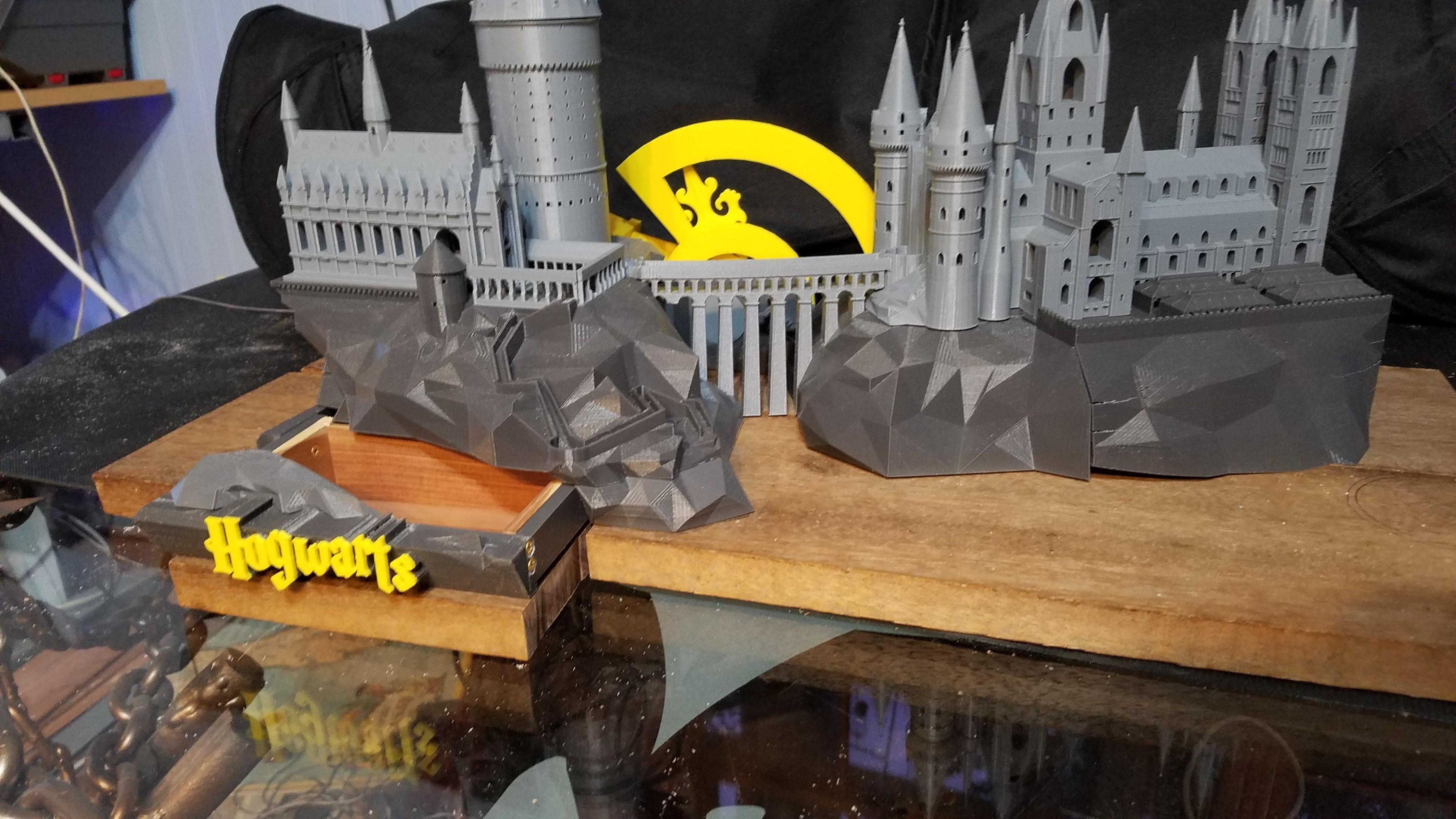 20170614_045143_001.jpg Télécharger fichier STL gratuit Hogwarts School of Witchcraft • Plan à imprimer en 3D, Valient