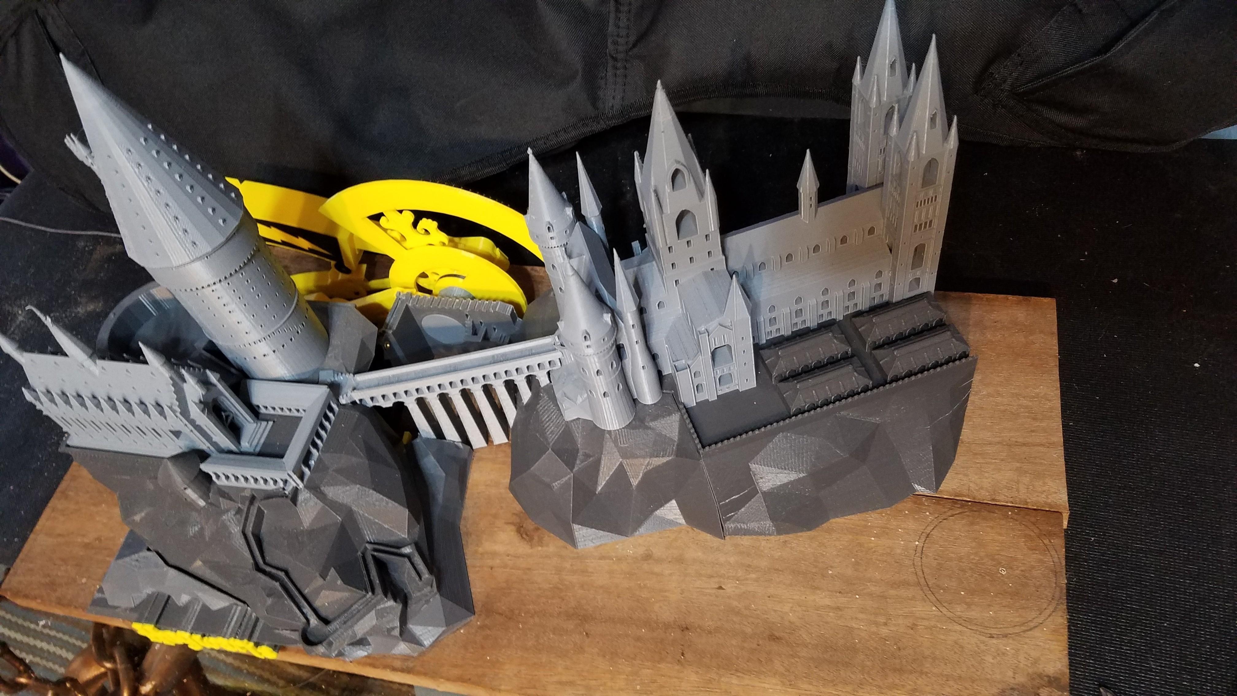 20170614_045103.jpg Télécharger fichier STL gratuit Hogwarts School of Witchcraft • Plan à imprimer en 3D, Valient