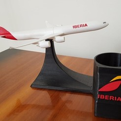 STL file Highly detailed A340-600 with pencil holder, Efren12