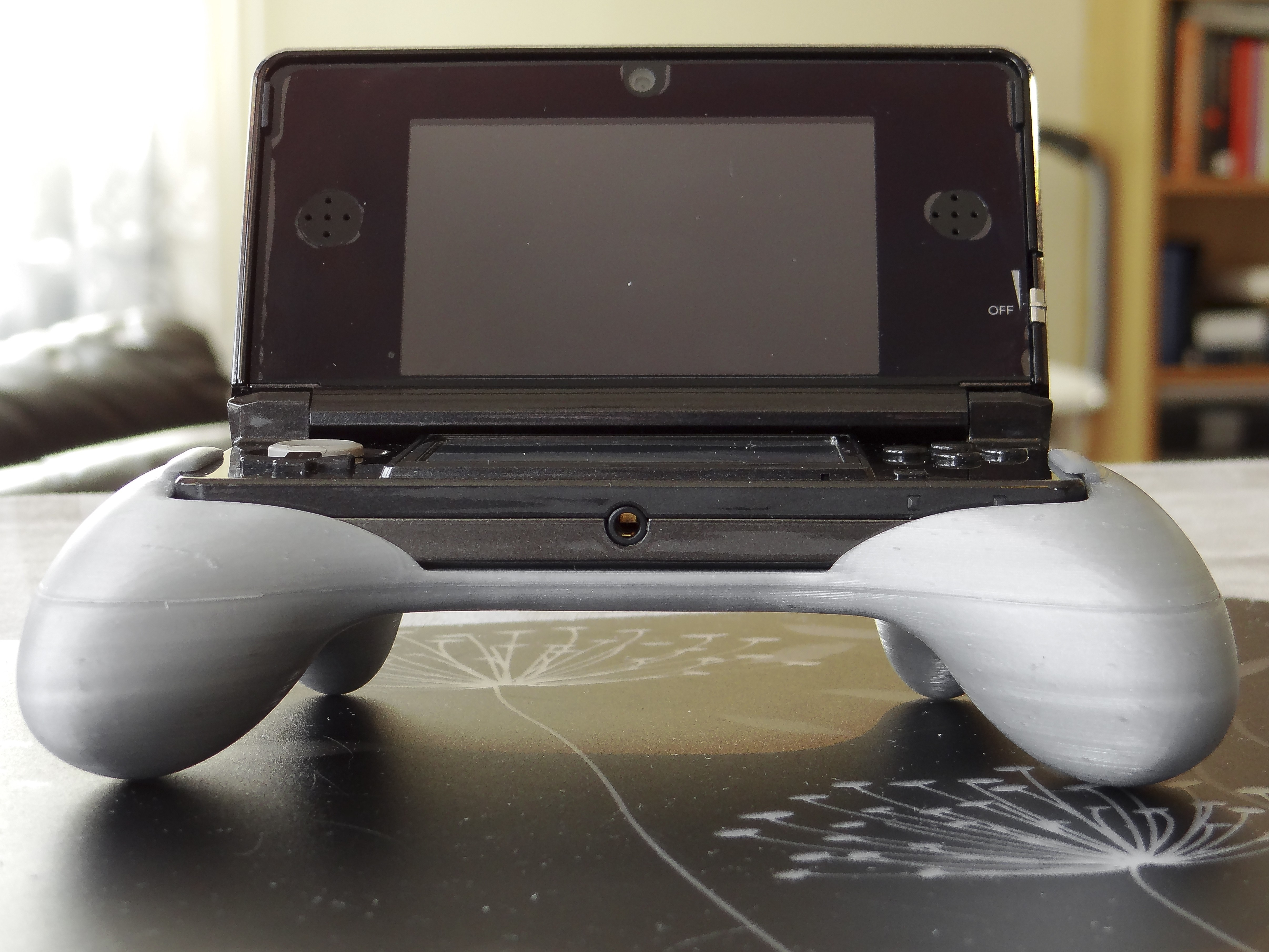 7.jpg Download free STL file Ergonomic Grip For 3DS (original 3ds) • 3D print template, 3D_Printed_Mangle