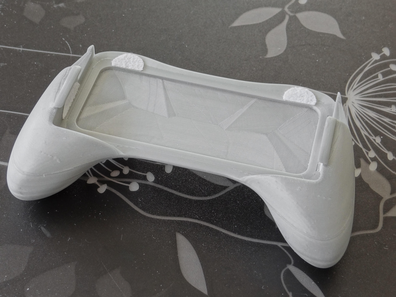 0.jpg Download free STL file Ergonomic Grip For 3DS (original 3ds) • 3D print template, 3D_Printed_Mangle
