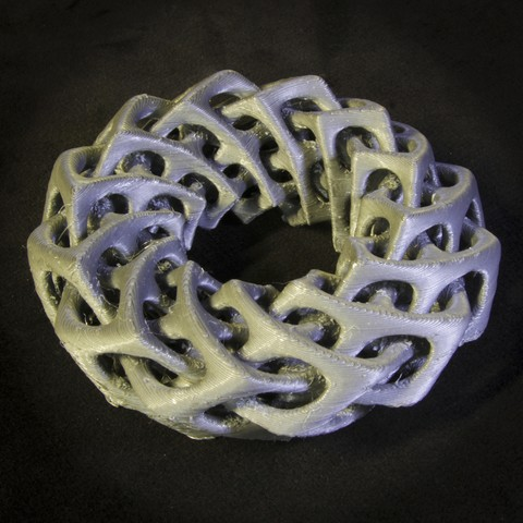 Download free 3D printer files Self-Intersecting Torus with Twist, LYTEHAUS