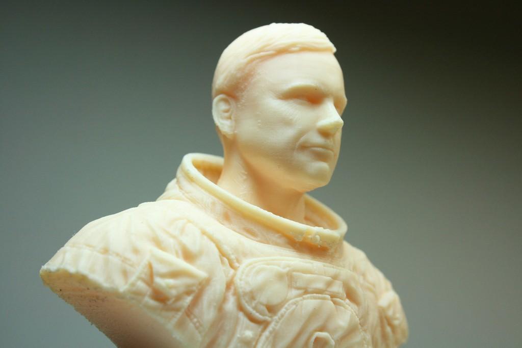 a73ceff38bb4990b628c331491521398_display_large.jpg Download free STL file Astronaut Bust • 3D printing design, LSMiniatures